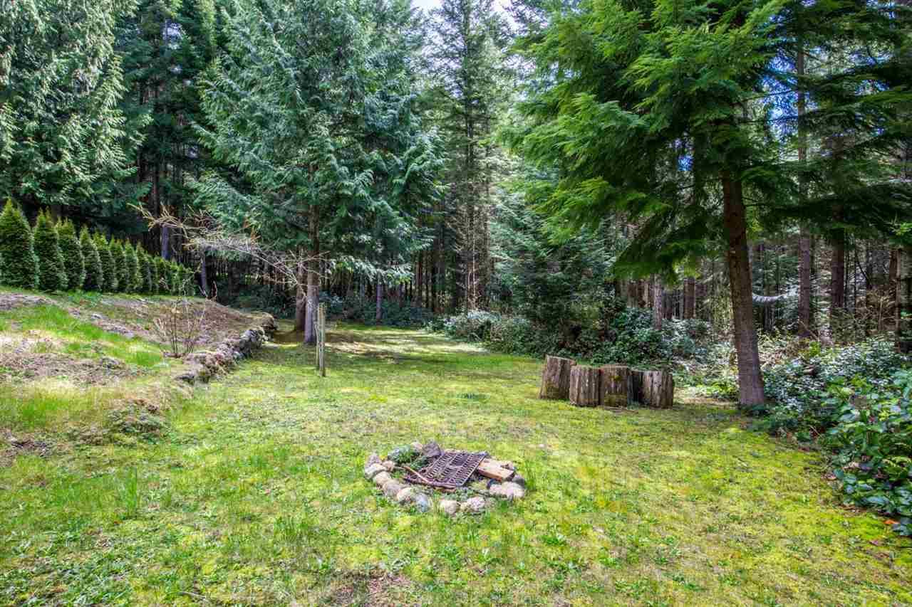 Detached at 1167 FIRBURN ROAD, Sunshine Coast, British Columbia. Image 18