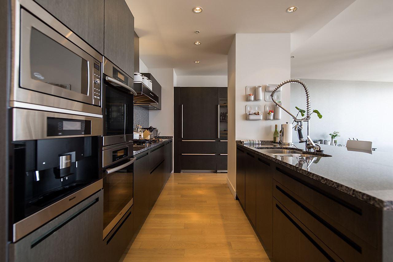 Condo Apartment at 4601 1128 W GEORGIA STREET, Unit 4601, Vancouver West, British Columbia. Image 4