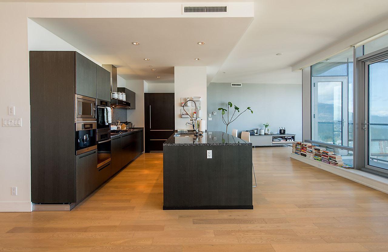Condo Apartment at 4601 1128 W GEORGIA STREET, Unit 4601, Vancouver West, British Columbia. Image 14