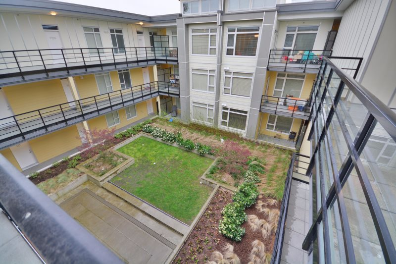 Condo Apartment at PH01 5288 GRIMMER STREET, Unit PH01, Burnaby South, British Columbia. Image 13