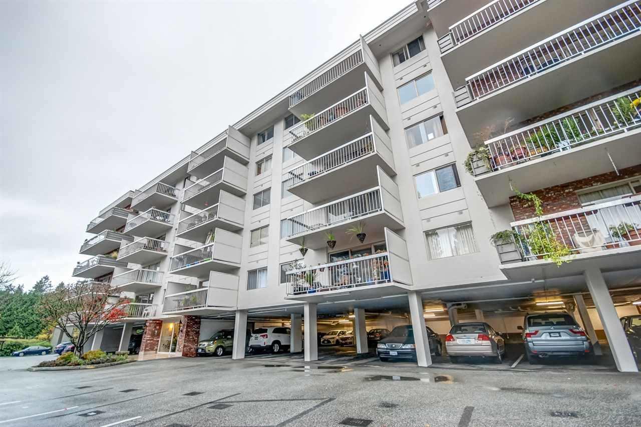 Condo Apartment at 1247 235 KEITH ROAD, Unit 1247, West Vancouver, British Columbia. Image 2