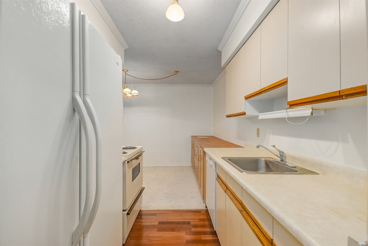Condo Apartment at 1247 235 KEITH ROAD, Unit 1247, West Vancouver, British Columbia. Image 9