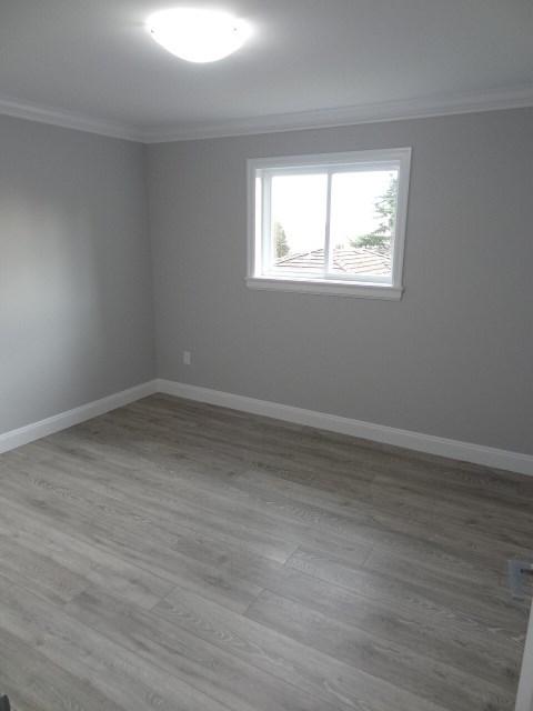 Half-duplex at 8151 MCGREGOR AVENUE, Burnaby South, British Columbia. Image 11
