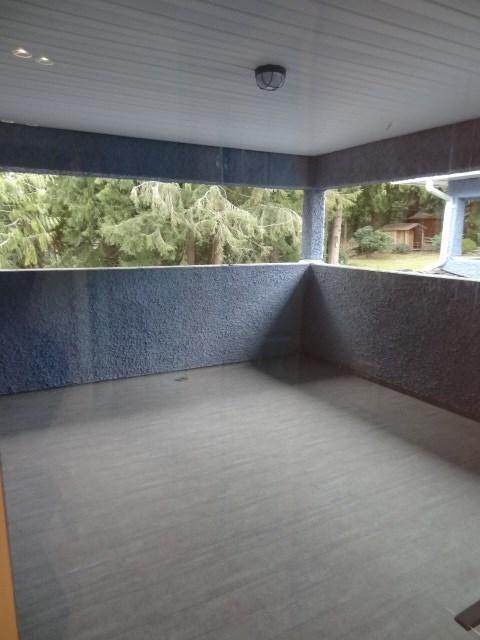 Half-duplex at 8151 MCGREGOR AVENUE, Burnaby South, British Columbia. Image 12