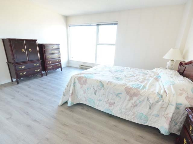 Condo Apartment at 903 8081 WESTMINSTER HIGHWAY, Unit 903, Richmond, British Columbia. Image 12