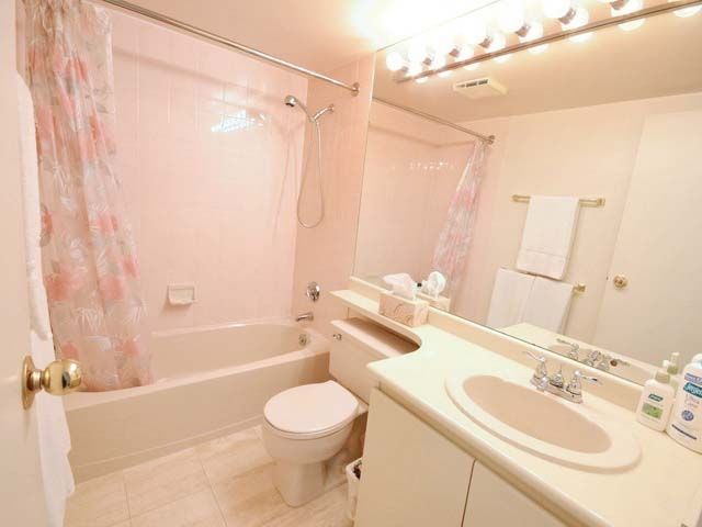 Condo Apartment at 903 8081 WESTMINSTER HIGHWAY, Unit 903, Richmond, British Columbia. Image 15