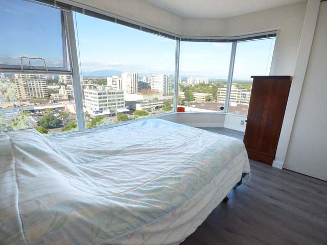 Condo Apartment at 903 8081 WESTMINSTER HIGHWAY, Unit 903, Richmond, British Columbia. Image 16