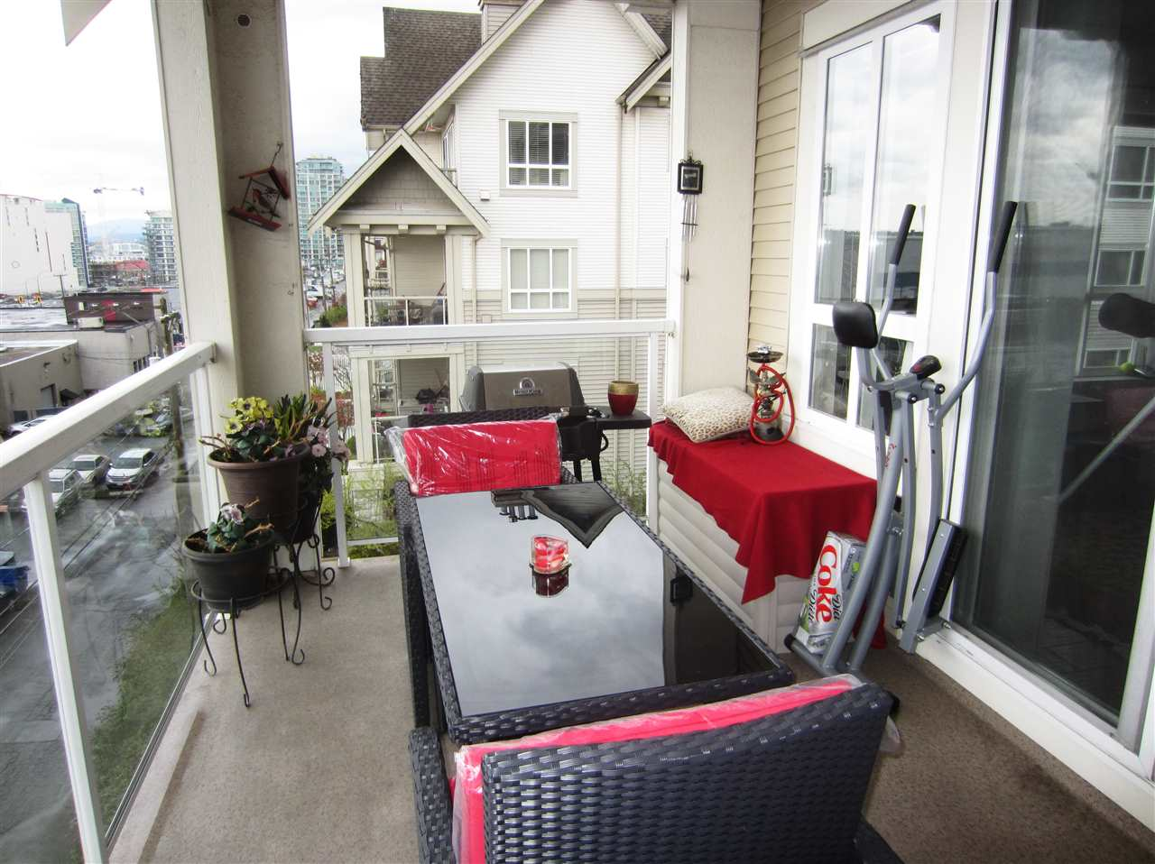 Condo Apartment at 313 365 E 1ST STREET, Unit 313, North Vancouver, British Columbia. Image 11