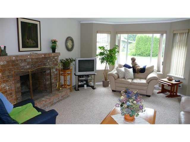 Half-duplex at 38884 GAMBIER AVENUE, Squamish, British Columbia. Image 2
