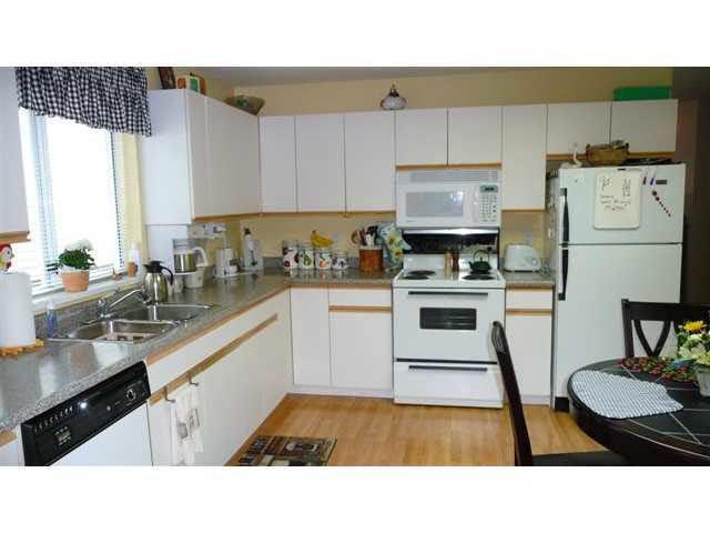 Half-duplex at 38884 GAMBIER AVENUE, Squamish, British Columbia. Image 6