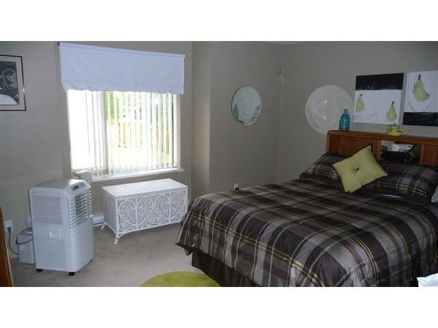 Half-duplex at 38884 GAMBIER AVENUE, Squamish, British Columbia. Image 8