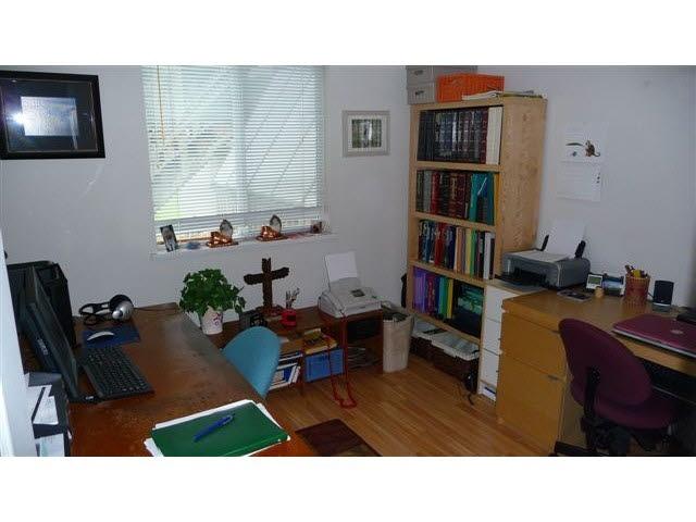 Half-duplex at 38884 GAMBIER AVENUE, Squamish, British Columbia. Image 10