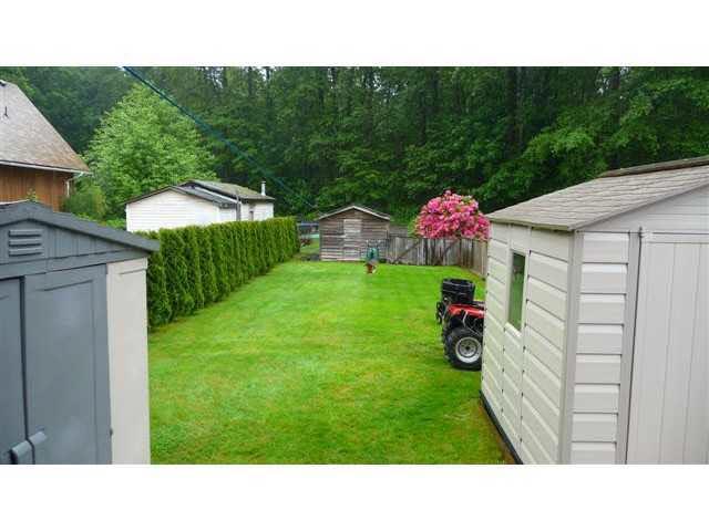Half-duplex at 38884 GAMBIER AVENUE, Squamish, British Columbia. Image 14