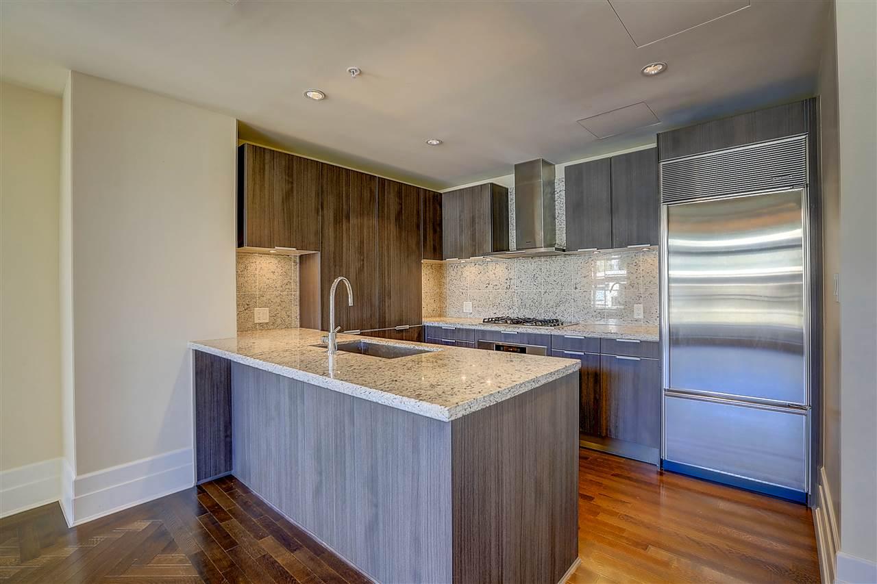 Condo Apartment at 400 540 WATERS EDGE CRESCENT, Unit 400, West Vancouver, British Columbia. Image 4