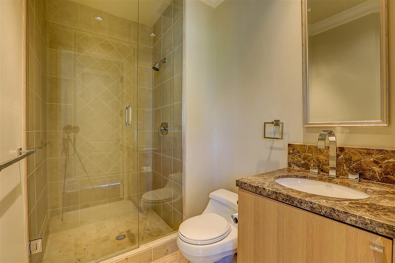 Condo Apartment at 400 540 WATERS EDGE CRESCENT, Unit 400, West Vancouver, British Columbia. Image 11