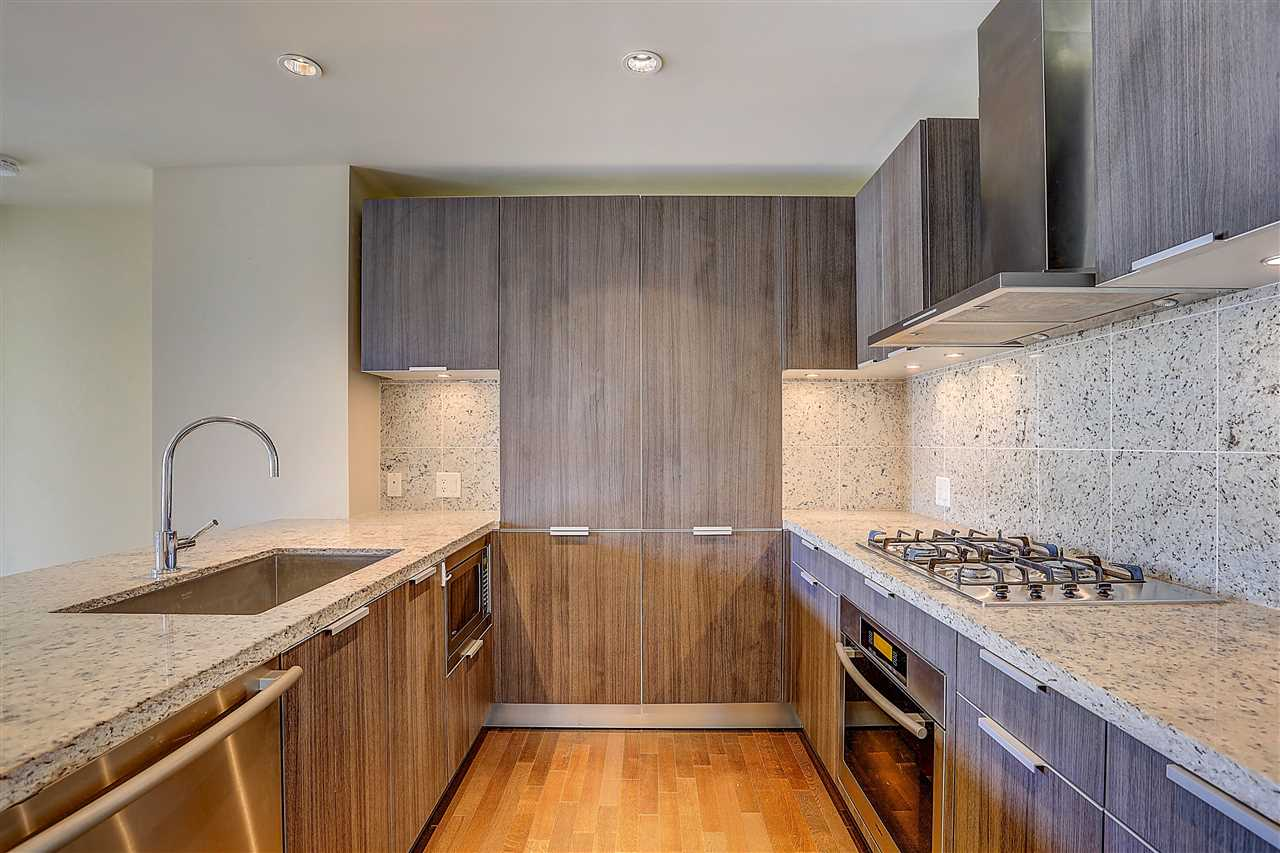 Condo Apartment at 400 540 WATERS EDGE CRESCENT, Unit 400, West Vancouver, British Columbia. Image 17