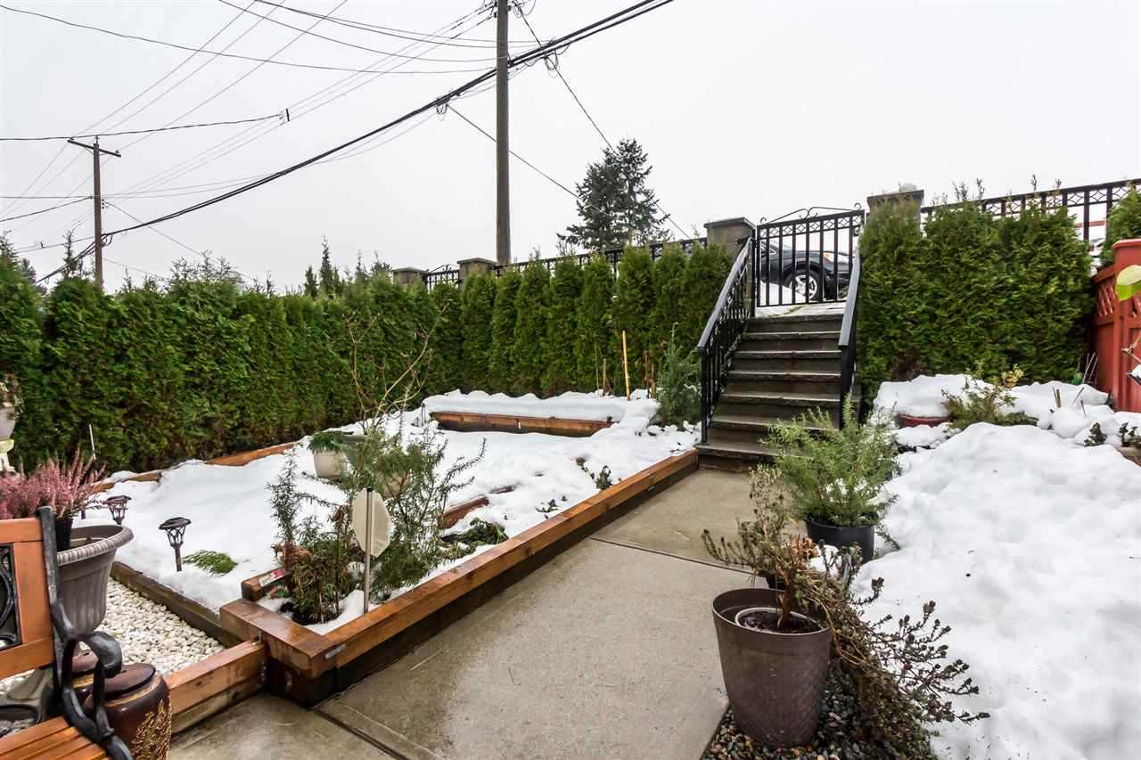 Half-duplex at 7248 STRIDE AVENUE, Burnaby East, British Columbia. Image 14