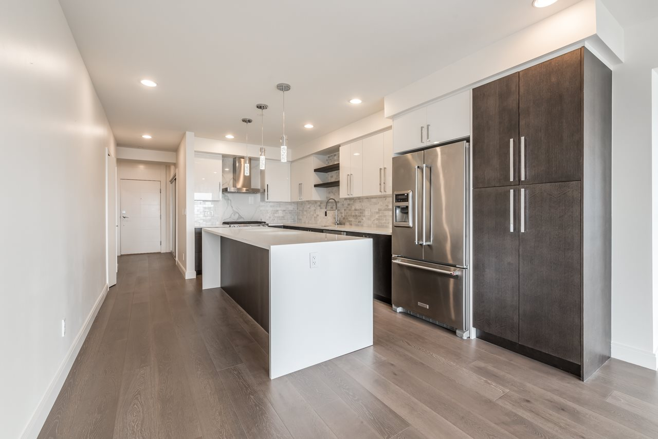 Condo Apartment at 302 15581 MARINE DRIVE, Unit 302, South Surrey White Rock, British Columbia. Image 6