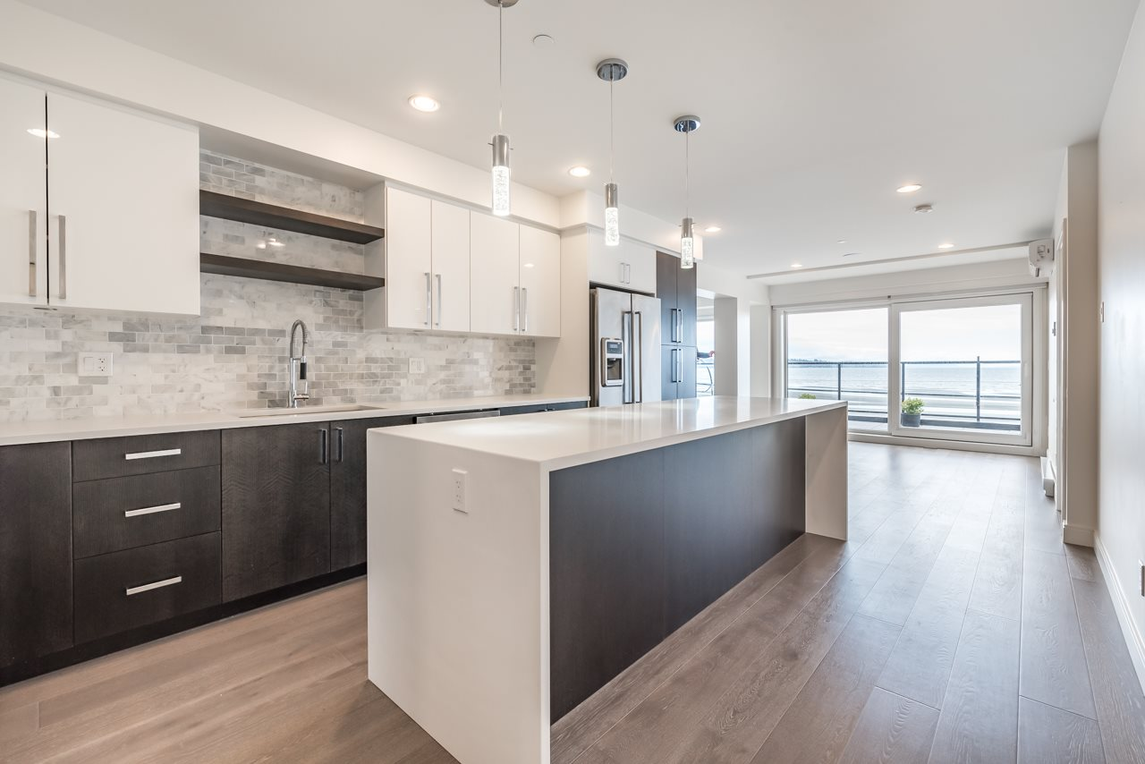 Condo Apartment at 302 15581 MARINE DRIVE, Unit 302, South Surrey White Rock, British Columbia. Image 7