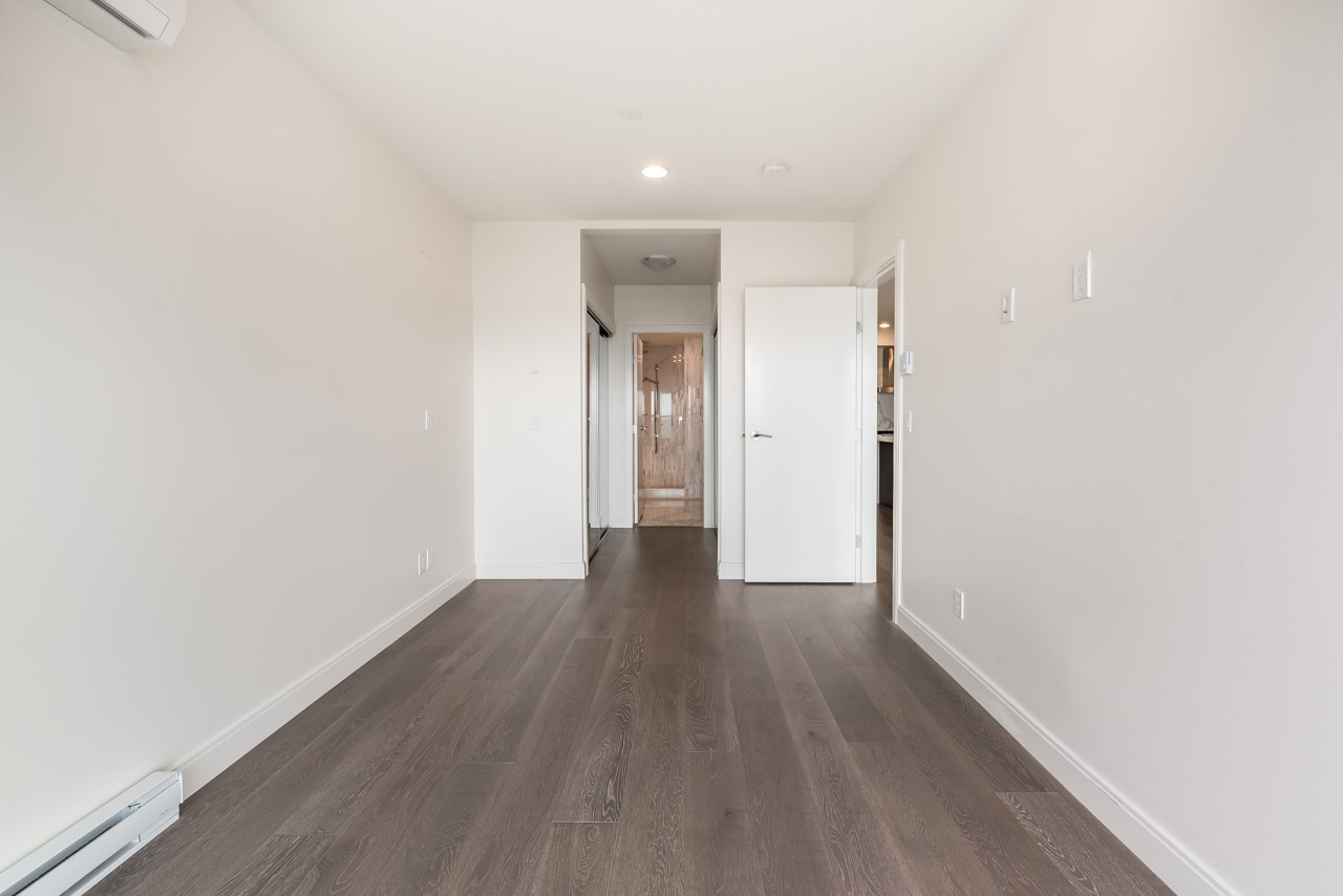 Condo Apartment at 302 15581 MARINE DRIVE, Unit 302, South Surrey White Rock, British Columbia. Image 12