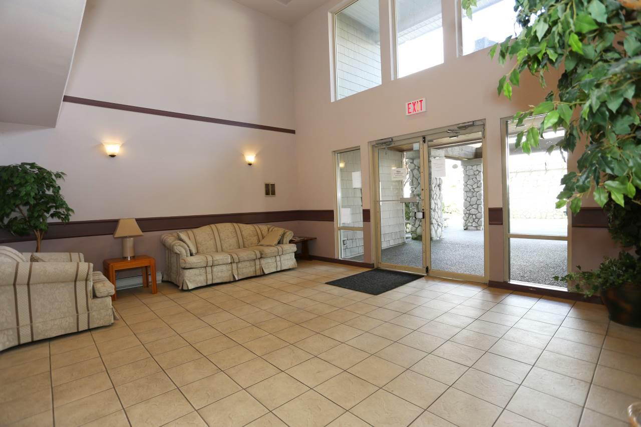 Condo Apartment at 218 33478 ROBERTS AVENUE, Unit 218, Abbotsford, British Columbia. Image 3