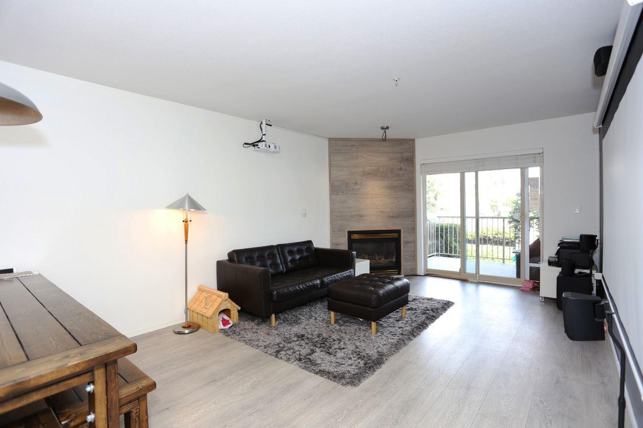 Condo Apartment at 218 33478 ROBERTS AVENUE, Unit 218, Abbotsford, British Columbia. Image 7