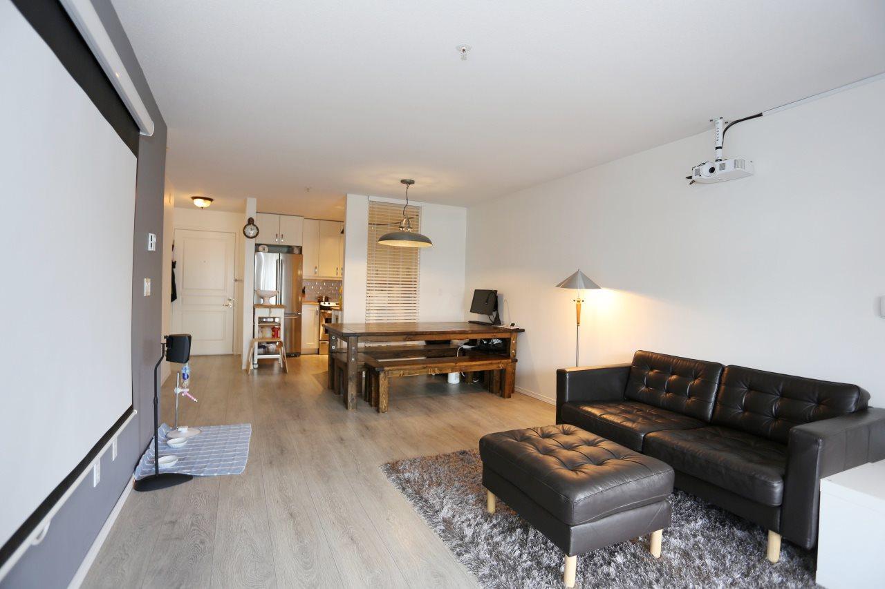 Condo Apartment at 218 33478 ROBERTS AVENUE, Unit 218, Abbotsford, British Columbia. Image 12