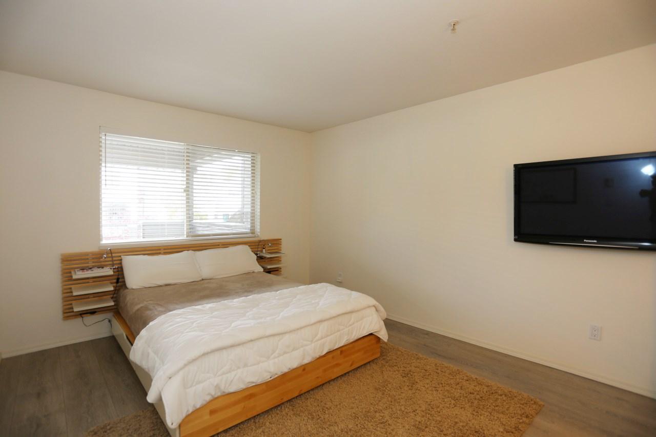 Condo Apartment at 218 33478 ROBERTS AVENUE, Unit 218, Abbotsford, British Columbia. Image 13