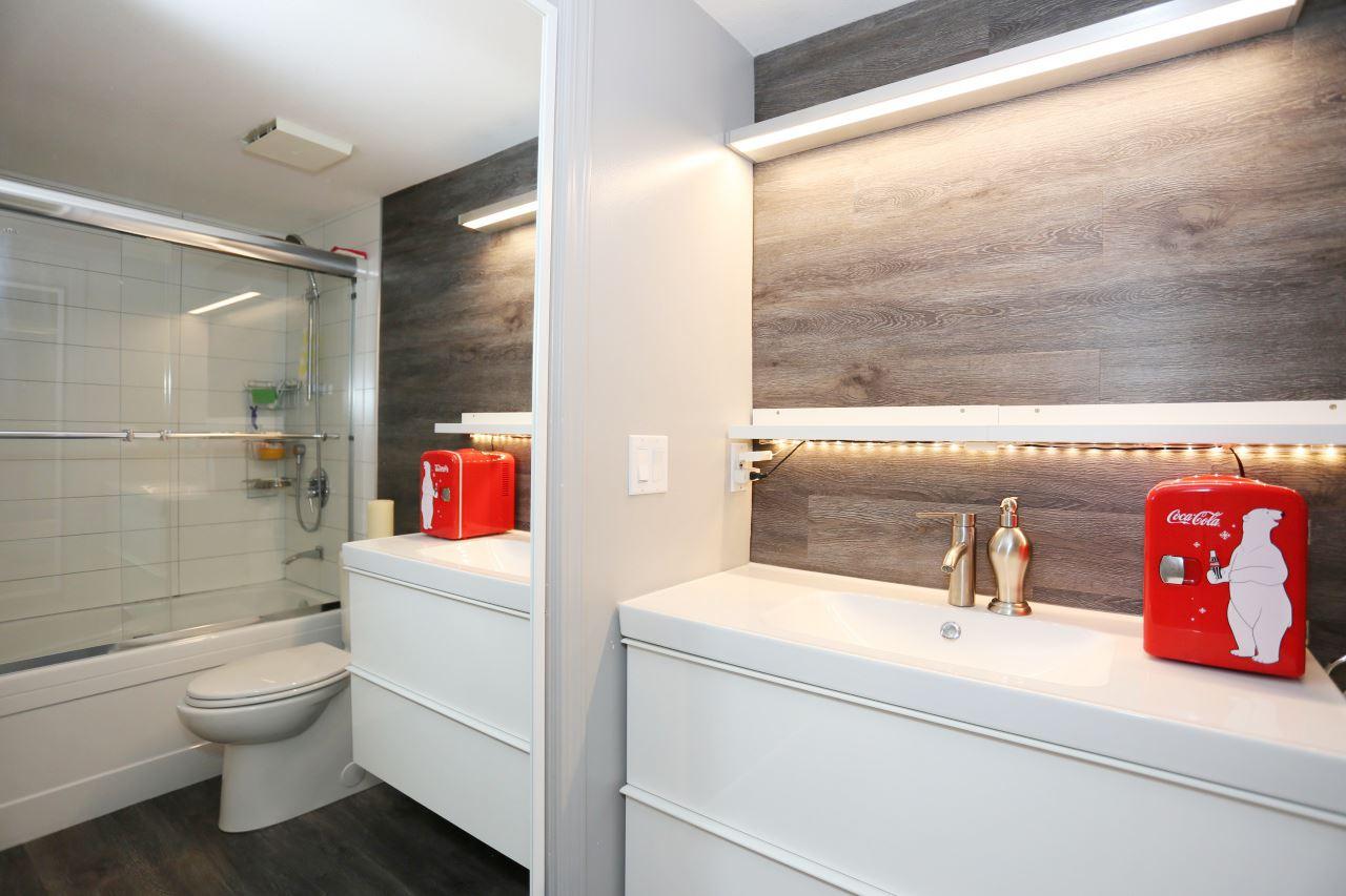 Condo Apartment at 218 33478 ROBERTS AVENUE, Unit 218, Abbotsford, British Columbia. Image 15
