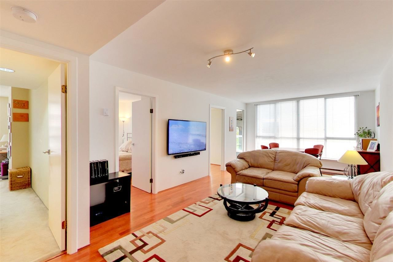 Condo Apartment at 709 1500 HOWE STREET, Unit 709, Vancouver West, British Columbia. Image 3