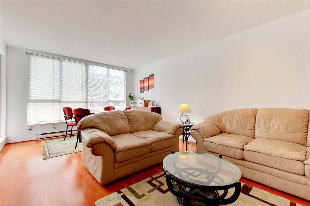 Condo Apartment at 709 1500 HOWE STREET, Unit 709, Vancouver West, British Columbia. Image 4