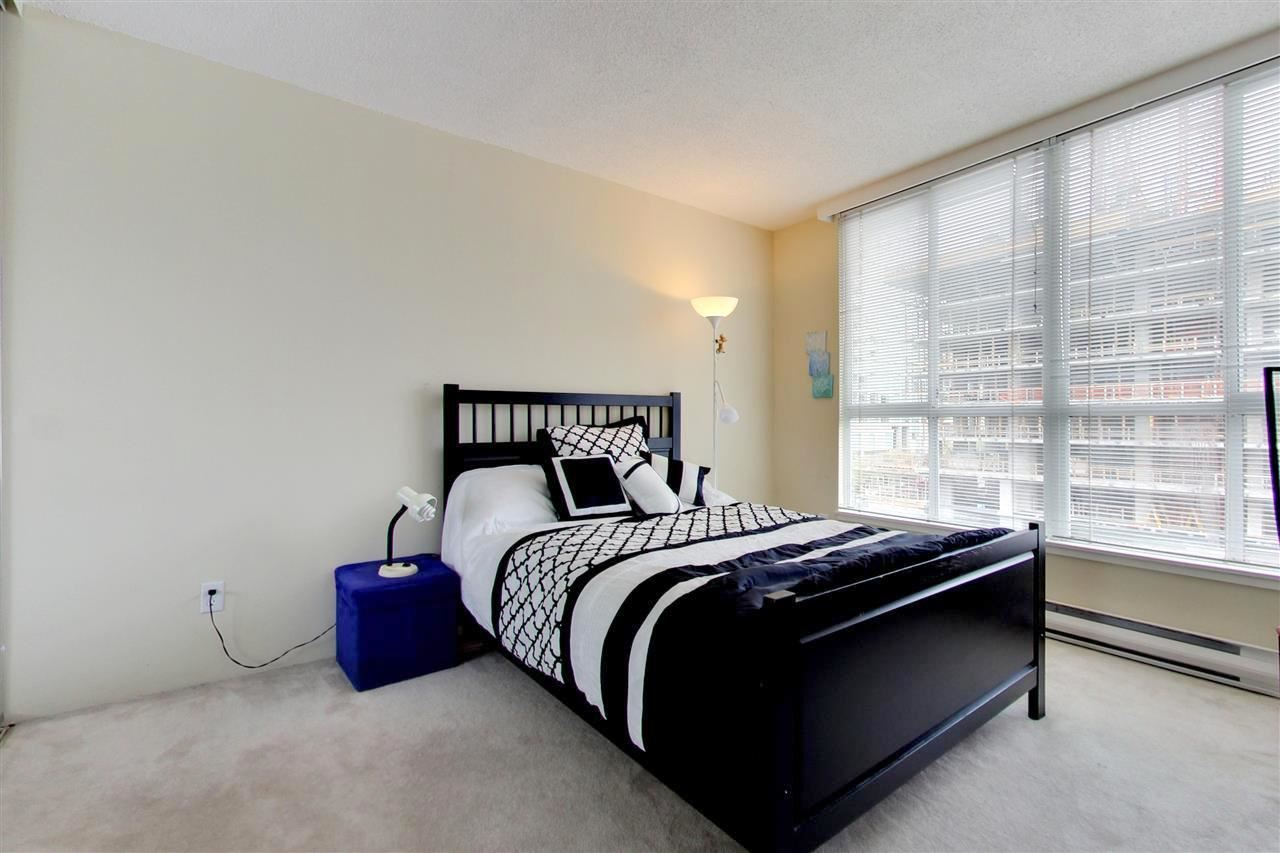 Condo Apartment at 709 1500 HOWE STREET, Unit 709, Vancouver West, British Columbia. Image 9