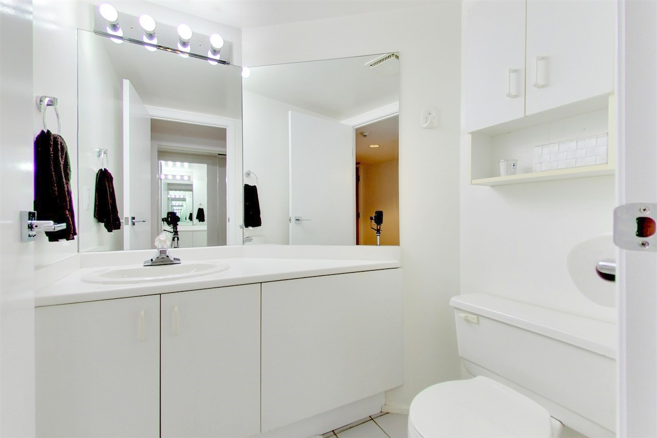 Condo Apartment at 709 1500 HOWE STREET, Unit 709, Vancouver West, British Columbia. Image 13