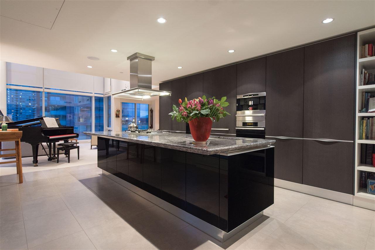 Condo Apartment at 1104 1139 W CORDOVA STREET, Unit 1104, Vancouver West, British Columbia. Image 9