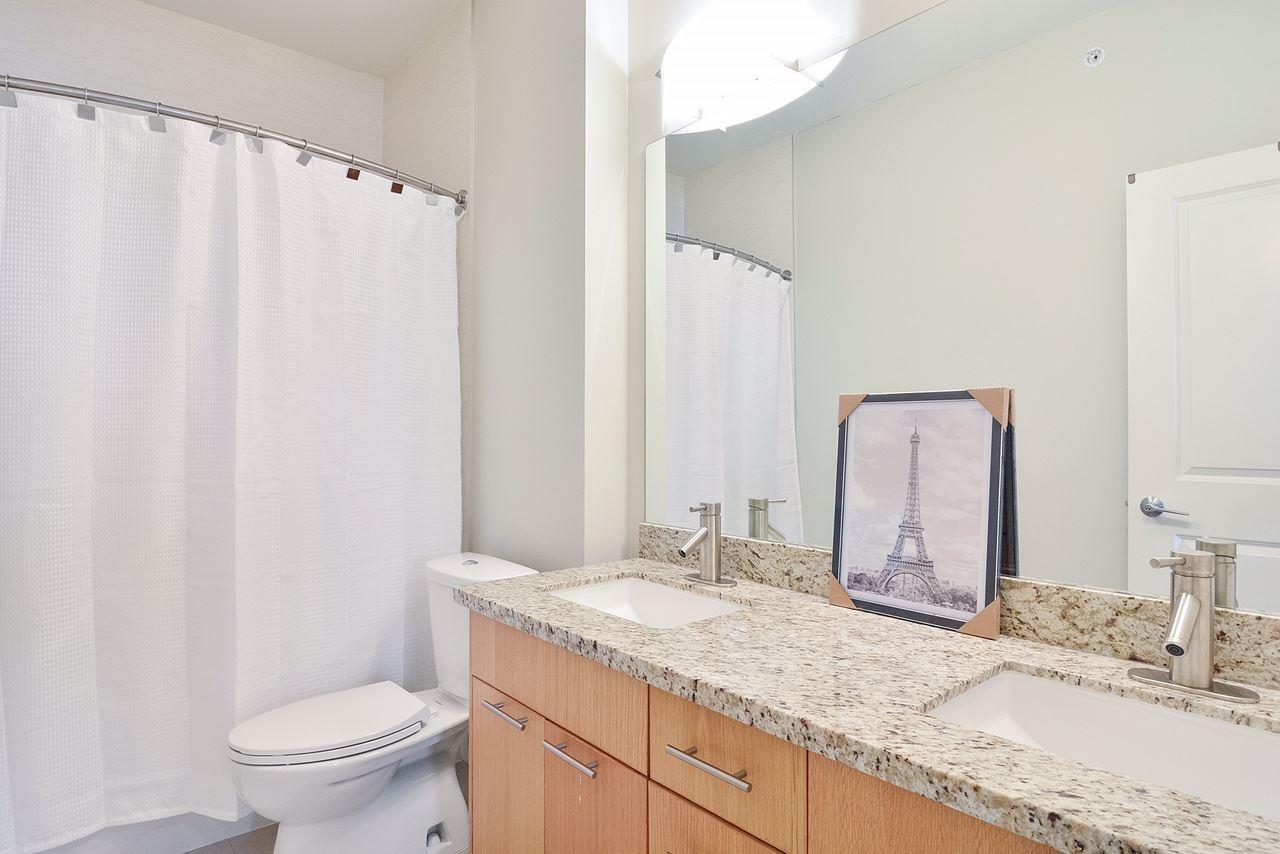 Condo Apartment at 401 2970 KING GEORGE BOULEVARD, Unit 401, South Surrey White Rock, British Columbia. Image 9