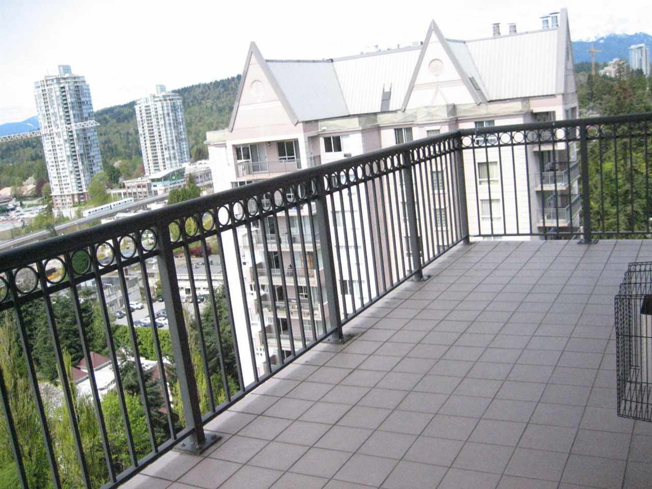 Condo Apartment at 2003 551 AUSTIN AVENUE, Unit 2003, Coquitlam, British Columbia. Image 17