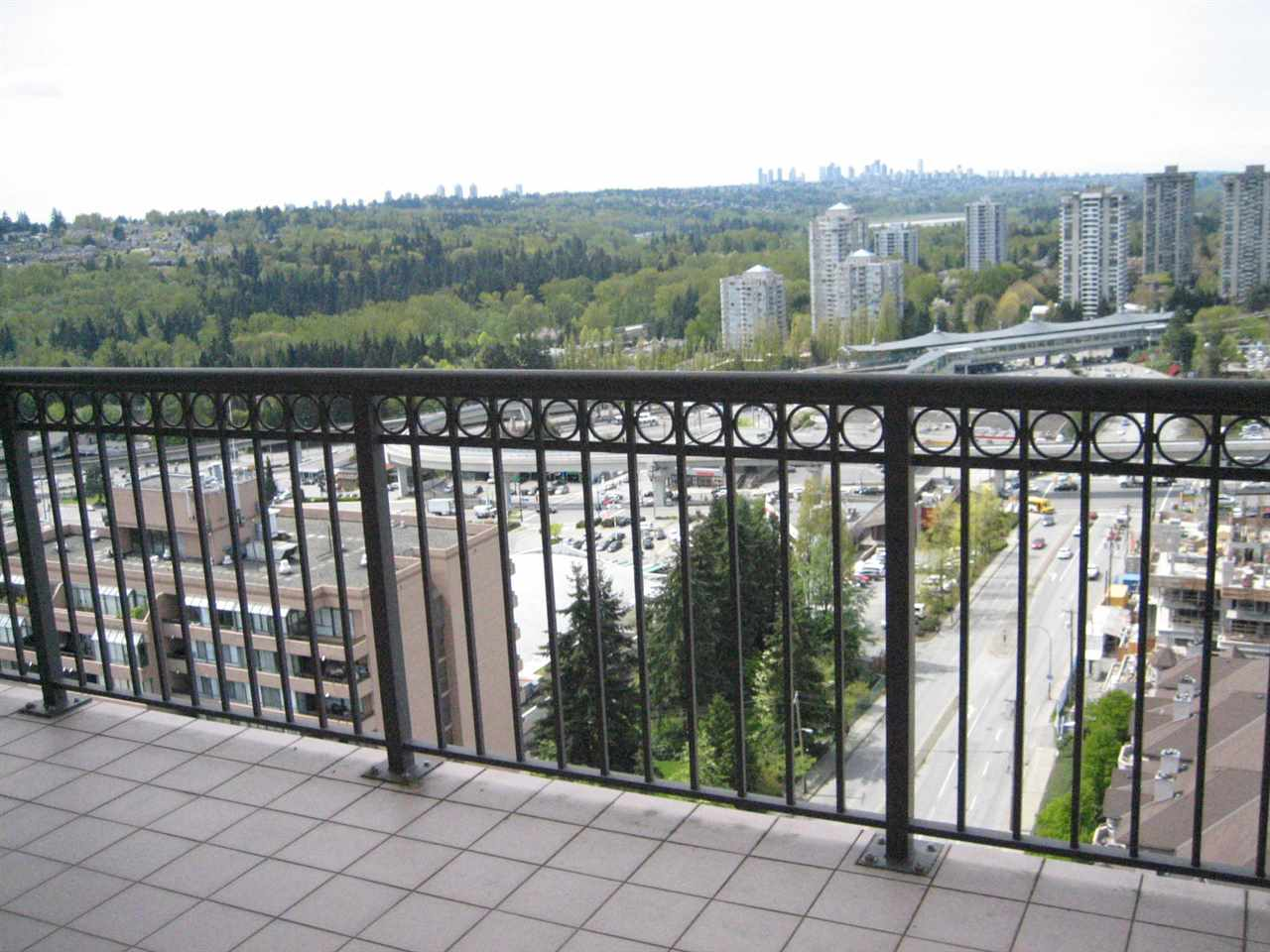 Condo Apartment at 2003 551 AUSTIN AVENUE, Unit 2003, Coquitlam, British Columbia. Image 18