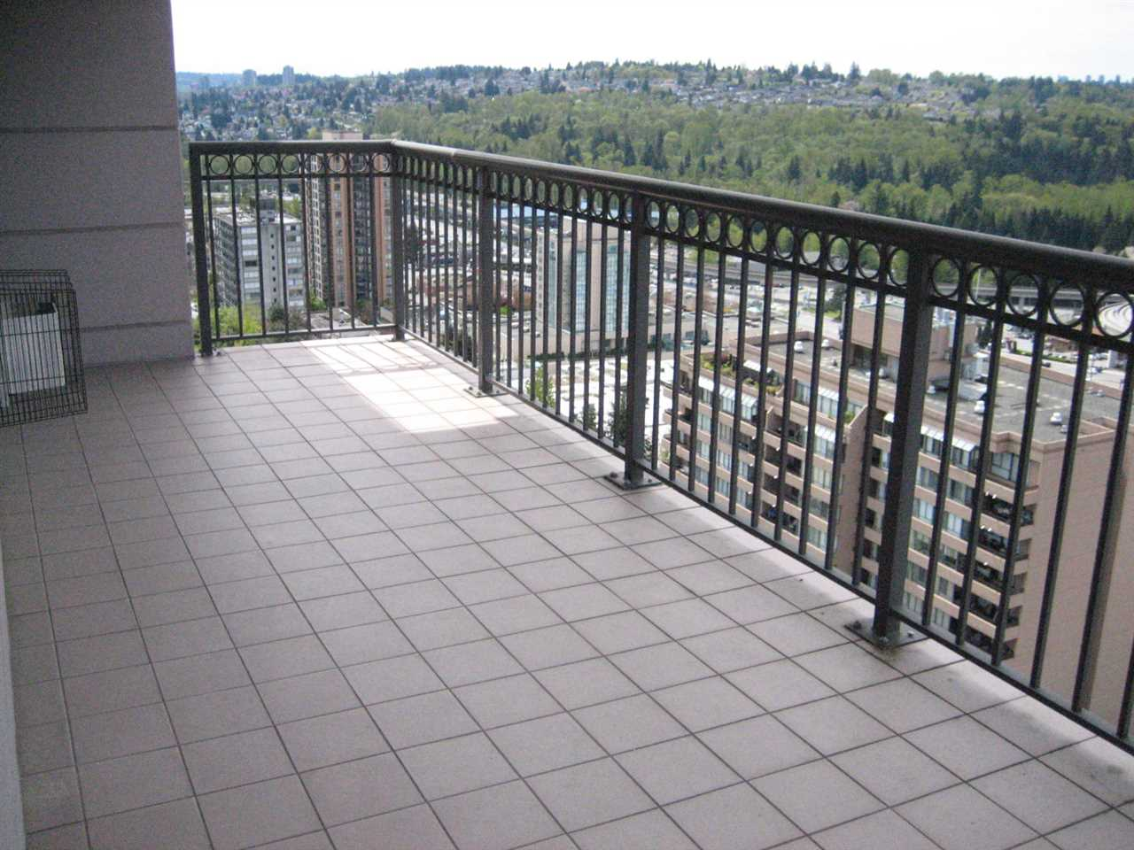 Condo Apartment at 2003 551 AUSTIN AVENUE, Unit 2003, Coquitlam, British Columbia. Image 19