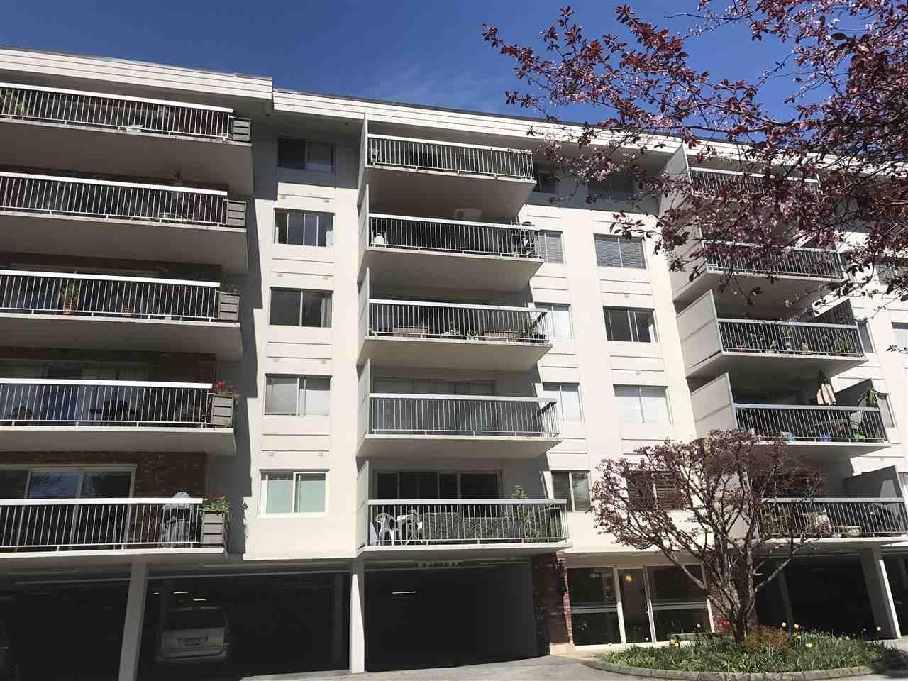 Condo Apartment at 1238 235 KEITH ROAD, Unit 1238, West Vancouver, British Columbia. Image 2