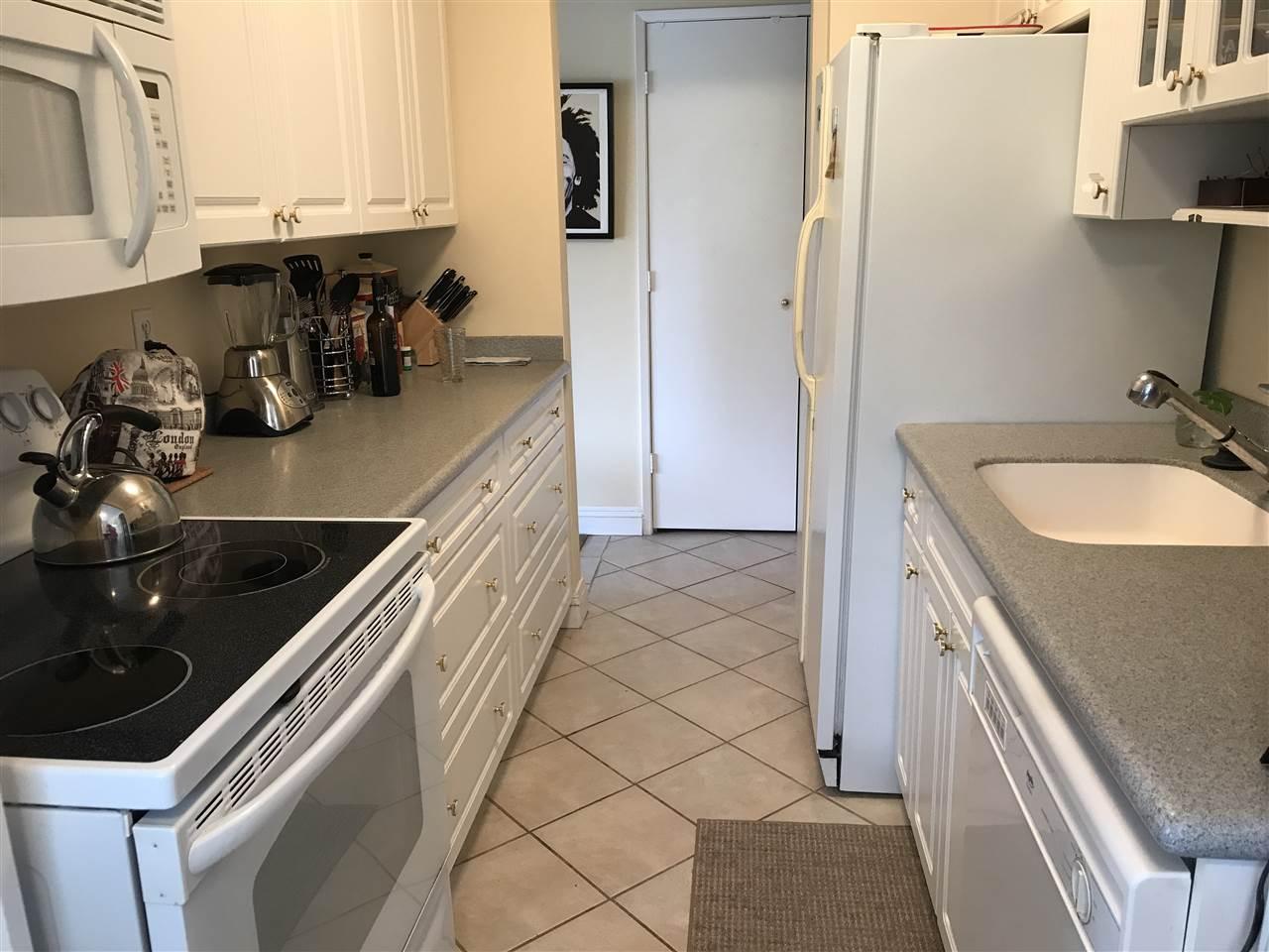 Condo Apartment at 1238 235 KEITH ROAD, Unit 1238, West Vancouver, British Columbia. Image 7