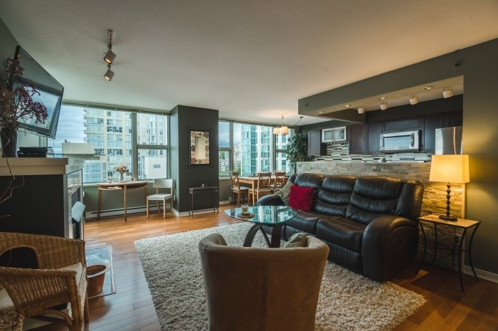 Condo Apartment at 1210 1500 HORNBY STREET, Unit 1210, Vancouver West, British Columbia. Image 2