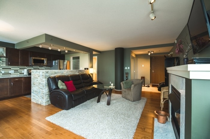 Condo Apartment at 1210 1500 HORNBY STREET, Unit 1210, Vancouver West, British Columbia. Image 3