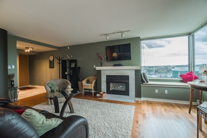 Condo Apartment at 1210 1500 HORNBY STREET, Unit 1210, Vancouver West, British Columbia. Image 4