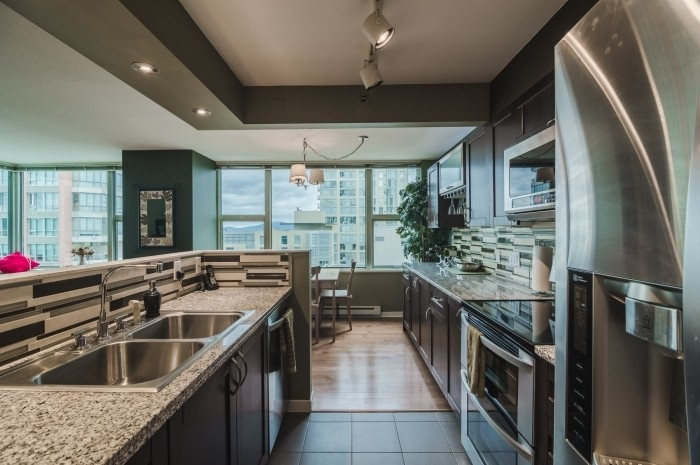 Condo Apartment at 1210 1500 HORNBY STREET, Unit 1210, Vancouver West, British Columbia. Image 10