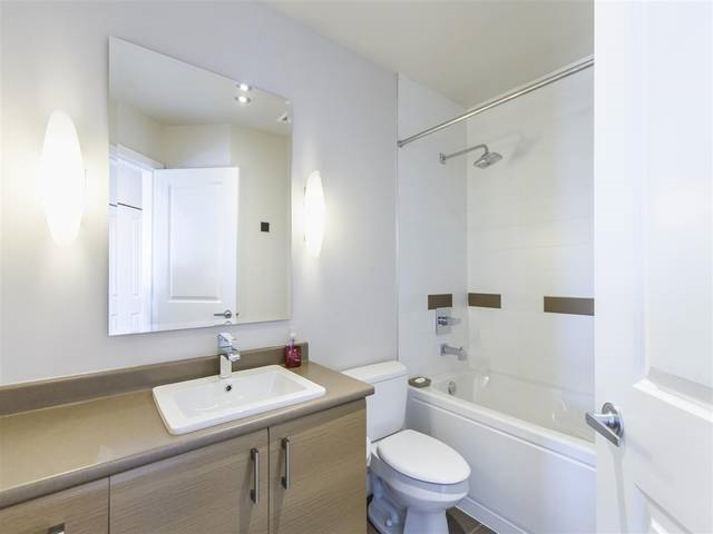 Condo Apartment at 501 12079 HARRIS ROAD, Unit 501, Pitt Meadows, British Columbia. Image 18