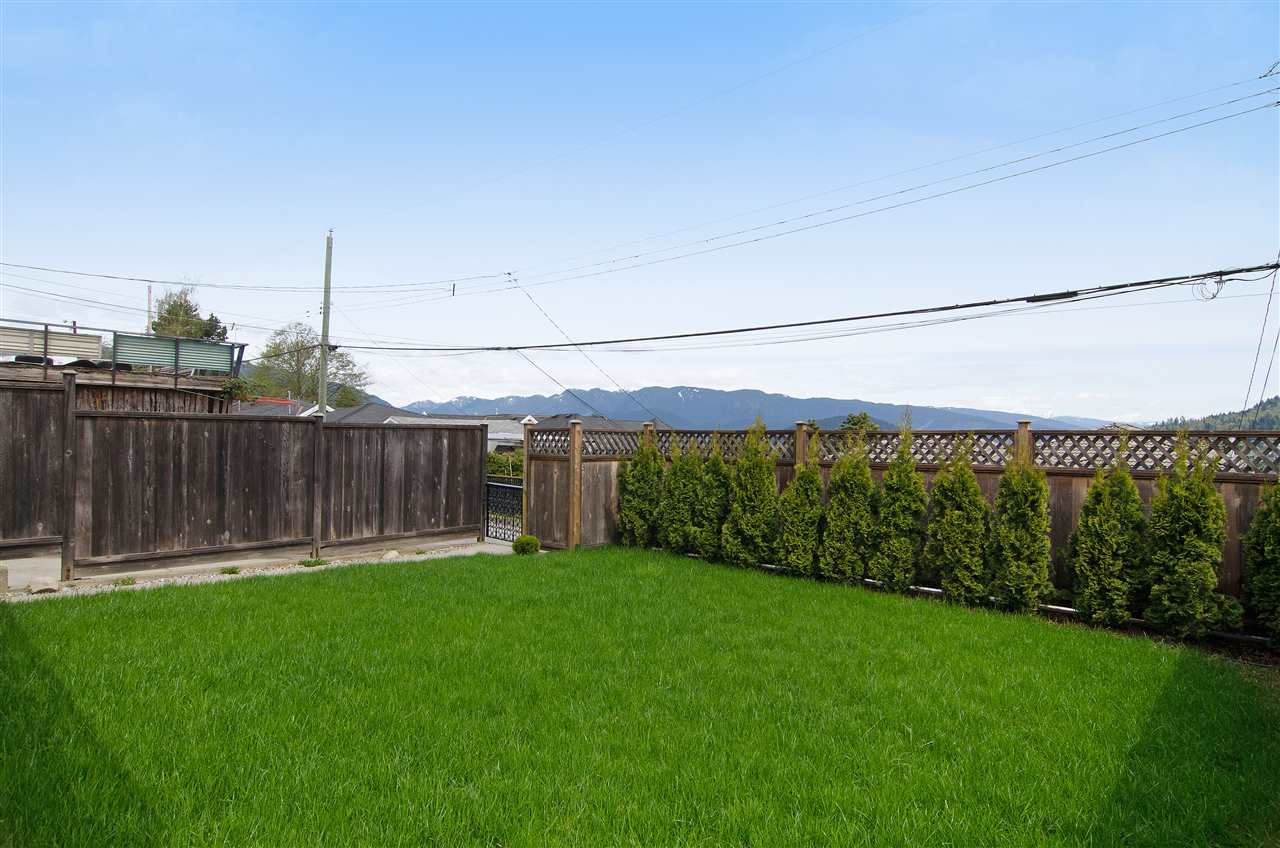 Detached at 16 N HOLDOM AVENUE, Burnaby North, British Columbia. Image 18
