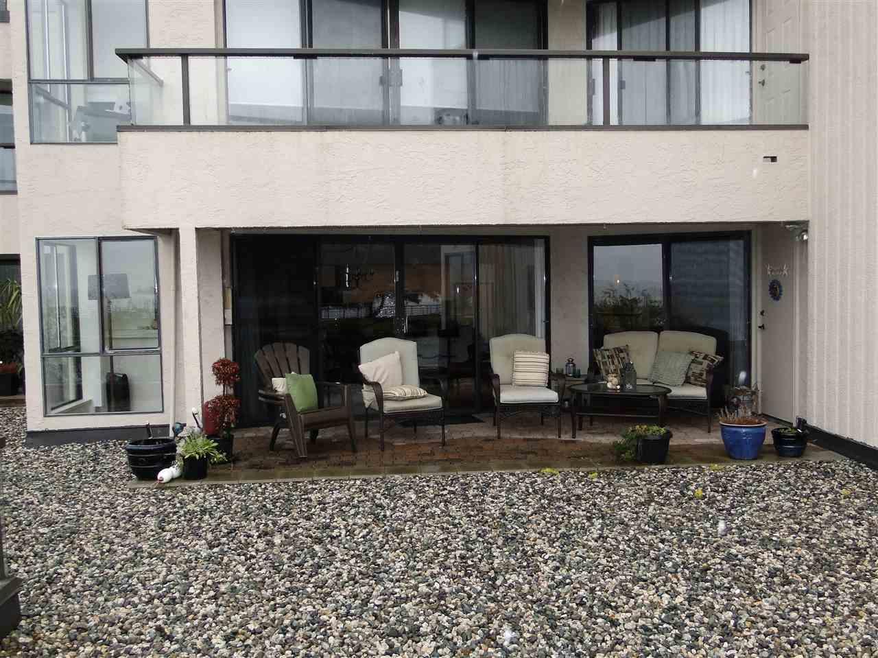 Condo Apartment at 105 5477 WHARF AVENUE, Unit 105, Sunshine Coast, British Columbia. Image 5