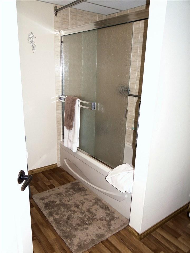 Condo Apartment at 105 5477 WHARF AVENUE, Unit 105, Sunshine Coast, British Columbia. Image 12