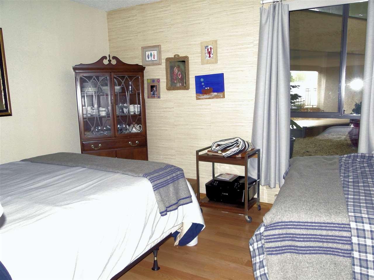 Condo Apartment at 105 5477 WHARF AVENUE, Unit 105, Sunshine Coast, British Columbia. Image 14