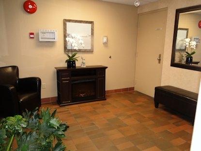 Condo Apartment at 105 5477 WHARF AVENUE, Unit 105, Sunshine Coast, British Columbia. Image 15